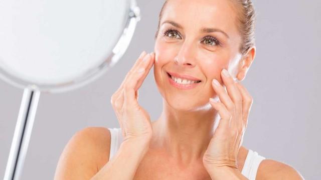 20 semaines d'exercices faciaux ont donné une peau plus ferme, des joues supérieures et inférieures plus pleines